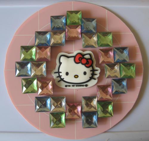 hello-kitty-mandala-square-jewels1
