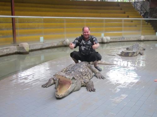 3Hugh Fox & Crocodile