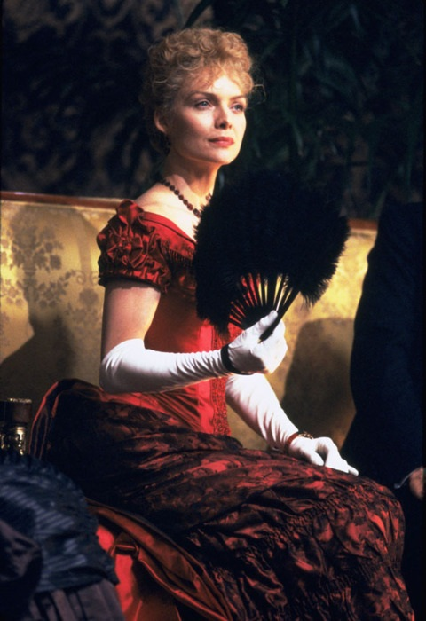 3Michelle Pfeiffer as Countess Ellen Olenska