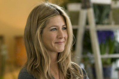 2 Jennifer Aniston as Eloise