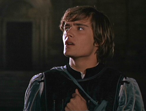 2 Leonard Whiting as Romeo